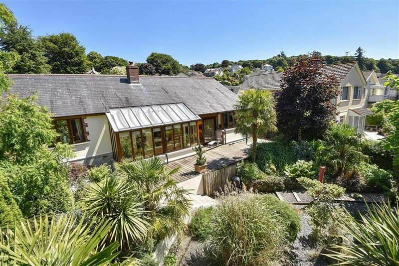4 Bedrooms Detached House for sale in Orchard Close, Leeze Park, Okehampton, Devon, EX20