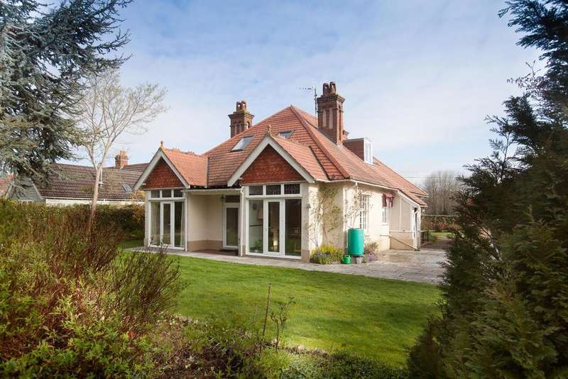 5 Bedrooms Bungalow for sale in Britford Lane, Salisbury