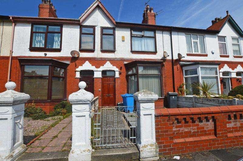 3 Bedrooms Terraced House for sale in Warren Avenue North, Fleetwood, FY7 7AB