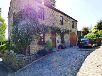 4 Bedrooms Detached House for sale in Leek Road, Longnor, Buxton, Derbyshire