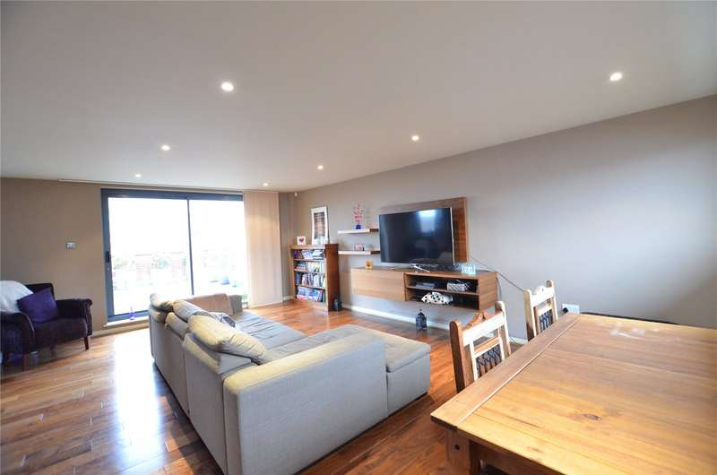 2 Bedrooms Penthouse Flat for sale in Madison Square, Liverpool, L1