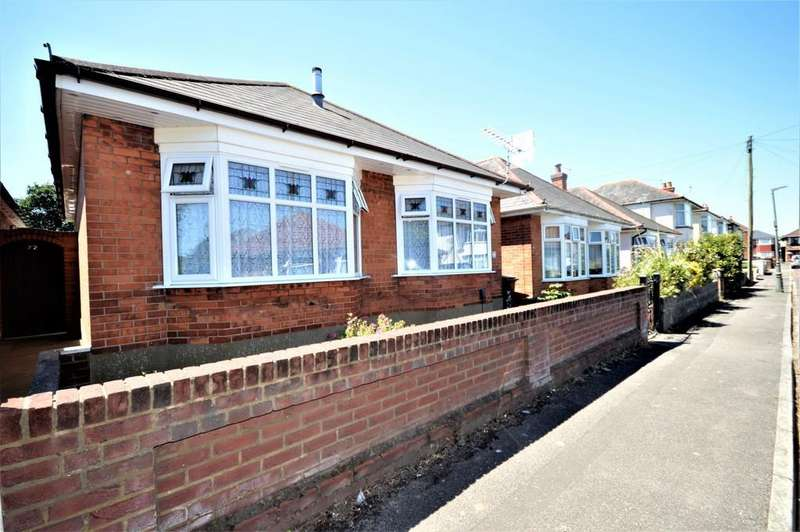 2 Bedrooms Detached Bungalow for sale in Walton Road, Bournemouth