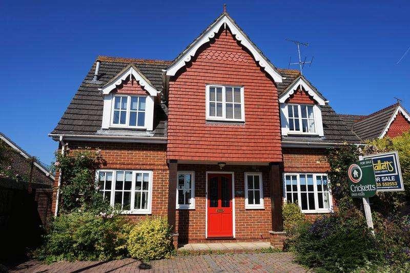 3 Bedrooms Detached House for sale in Enborne Grove, Newbury