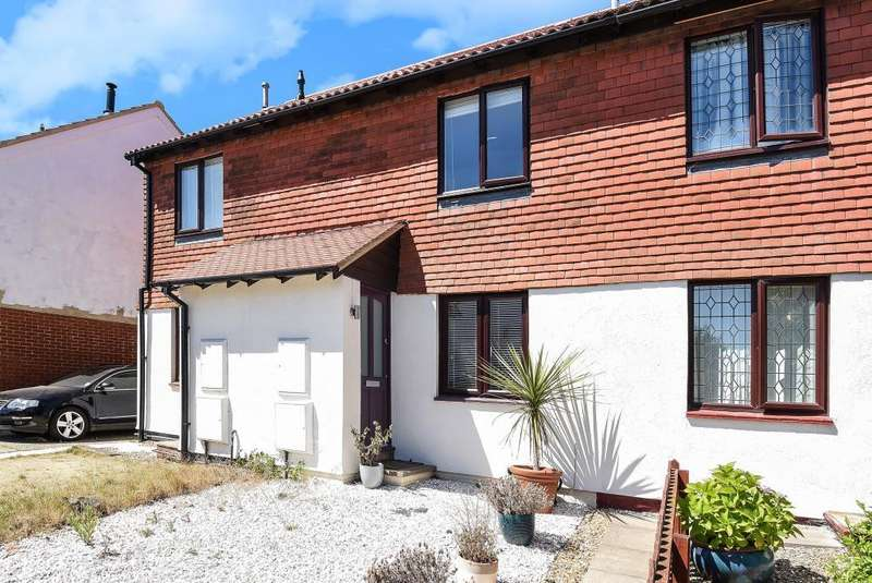 2 Bedrooms House for sale in Latimer Drive, Calcot, Reading, RG31