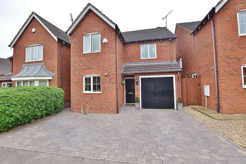 3 Bedrooms Detached House for sale in Holyoke Grove, Leamington Spa