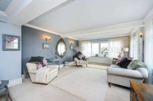 4 Bedrooms Detached House for sale in Lynwood Road, Saltdean, Brighton, East Sussex