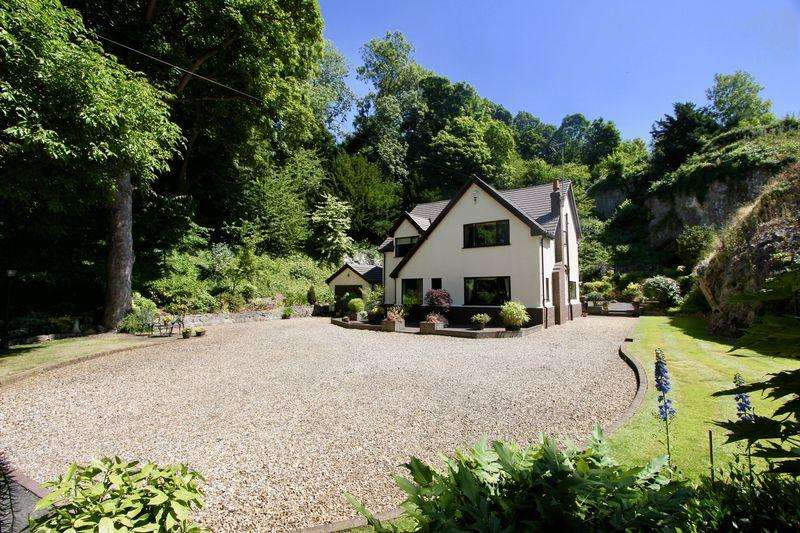 4 Bedrooms Detached House for sale in Carreg Heilin Lane, Dyserth
