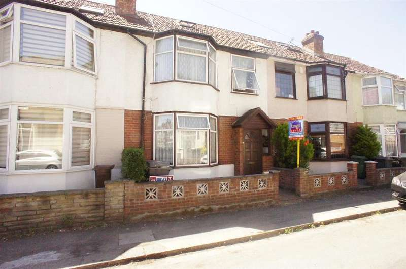 3 Bedrooms Terraced House for sale in Alpha Road, Chingford, London