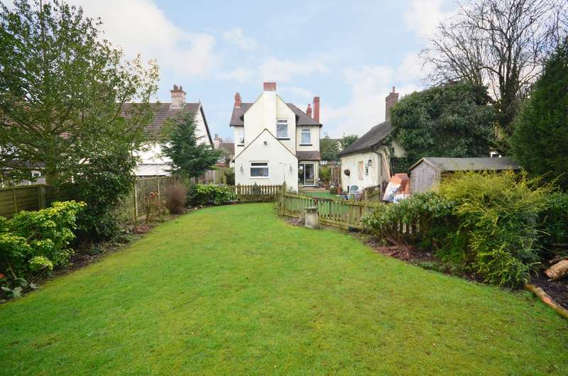 3 Bedrooms Detached House for sale in Weston Road, Weston Coyney, ST3 6AT