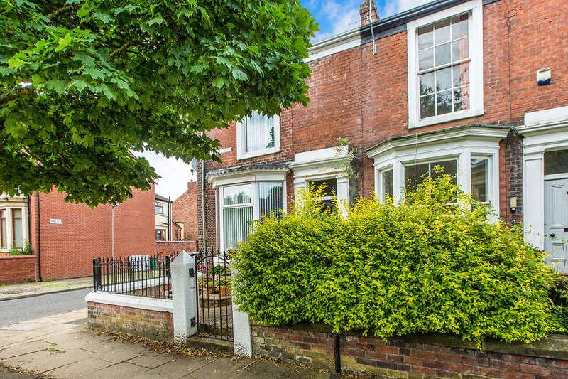 2 Bedrooms Terraced House for sale in Grafton Street, Preston, PR1