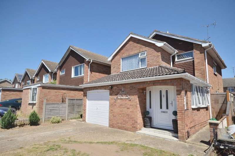 4 Bedrooms Detached House for sale in The Willows, Colchester, CO2 8PX