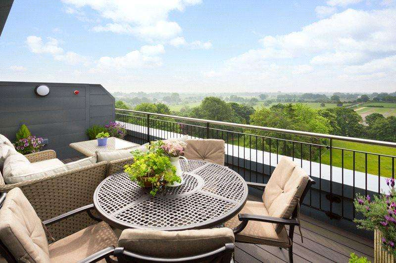 3 Bedrooms Penthouse Flat for sale in The Residence, Bishopthorpe Road, York, YO23