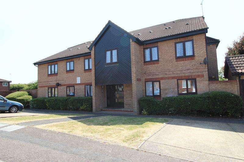2 Bedrooms Flat for sale in Delightful CHAIN FREE First Floor Flat Offered on Rodeheath, Luton