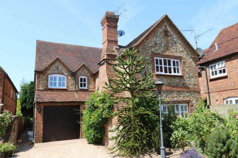 4 Bedrooms Detached House for sale in Heath End Road, Great Kingshill