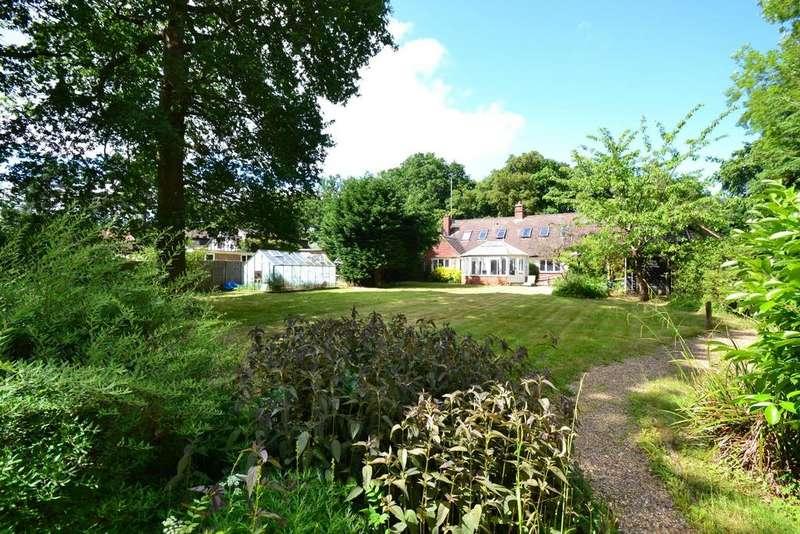 5 Bedrooms Detached House for sale in Bucknalls Lane, Bricket Wood, Watford