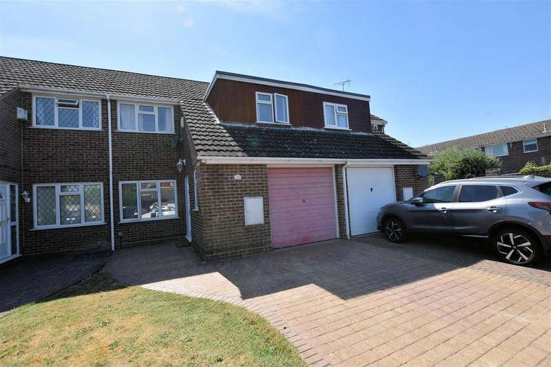 3 Bedrooms Terraced House for sale in Stratford Way, Tilehurst, Reading