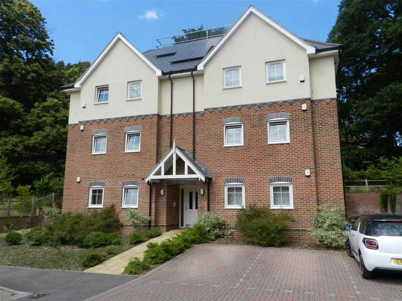 2 Bedrooms Apartment Flat for sale in Phoenix Rise, Crowthorne