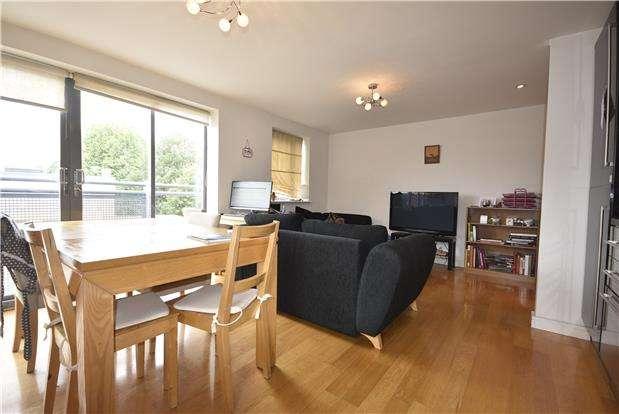 2 Bedrooms Flat for sale in The Kiln, Myrtle Street, Southville, Bristol, BS3 1BJ