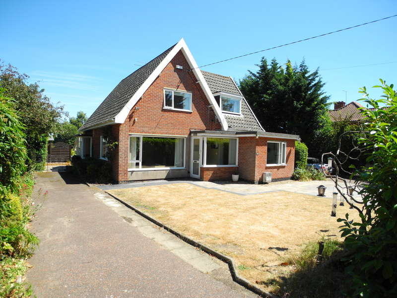 5 Bedrooms Chalet House for sale in Beccles Road, Bungay