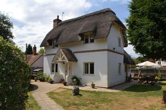 3 Bedrooms Cottage House for sale in Yew Tree Cottage, The Common, Silchester, Reading
