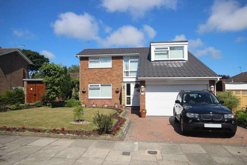 4 Bedrooms Detached House for sale in Craster Close, Beaumont Park, Whitley Bay, NE25