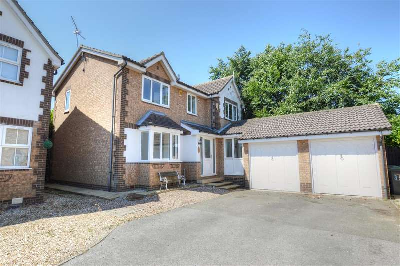4 Bedrooms Detached House for sale in Winchester Way, Sleaford