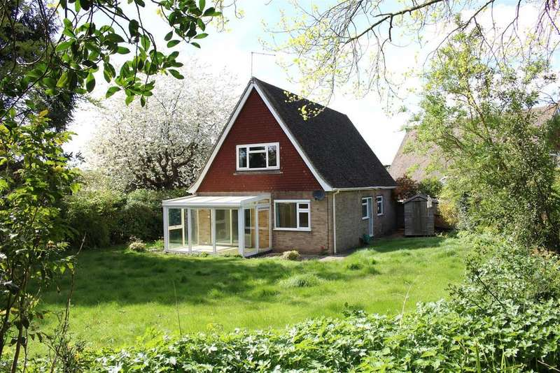 4 Bedrooms House for sale in Meadow Close, Goring, Reading