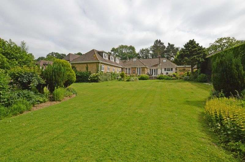6 Bedrooms Property for sale in The Shrave Four Marks, Alton
