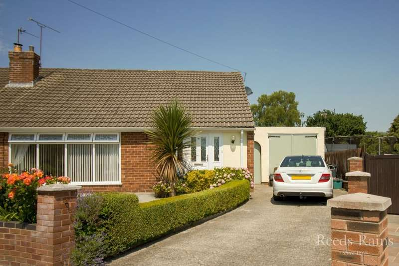 3 Bedrooms Semi Detached Bungalow for sale in The Green, Ellesmere Port, CH65