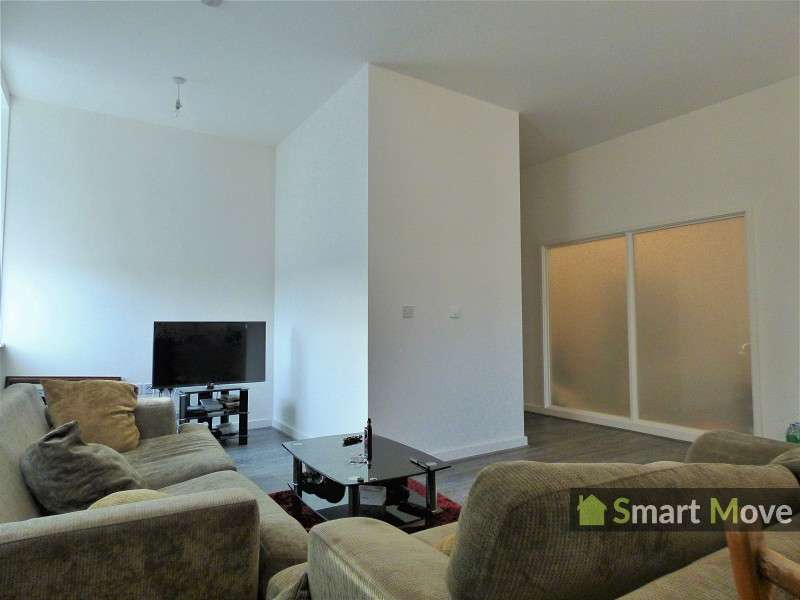 2 Bedrooms Flat for sale in Varity House, Vicarage Farm Road, Peterborough, Cambridgeshire. PE1 5TP
