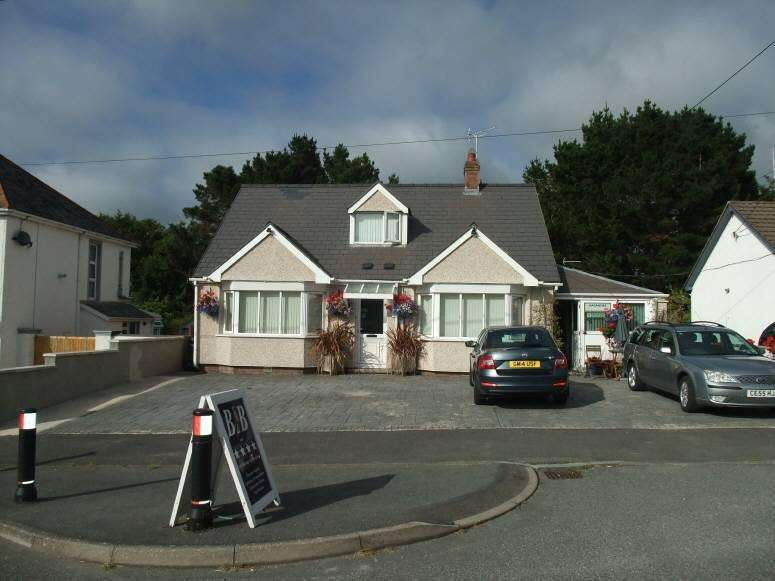 5 Bedrooms Guest House Commercial for sale in Tenby Road, Cardigan
