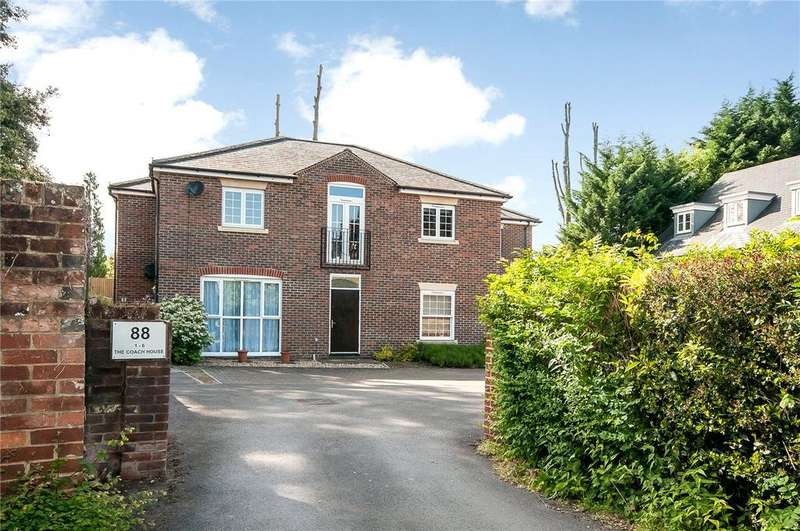 3 Bedrooms Flat for sale in The Coach House, 88 Christchurch Road, Winchester, Hampshire, SO23