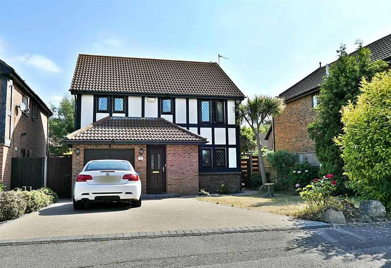 4 Bedrooms Detached House for sale in Aragon Way, Bournemouth