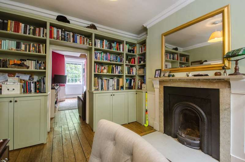 3 Bedrooms Terraced House for sale in Newell Street, Limehouse, E14