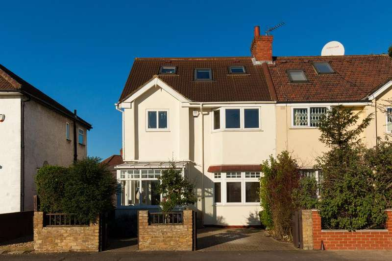 4 Bedrooms House for sale in Northfields Road, Acton
