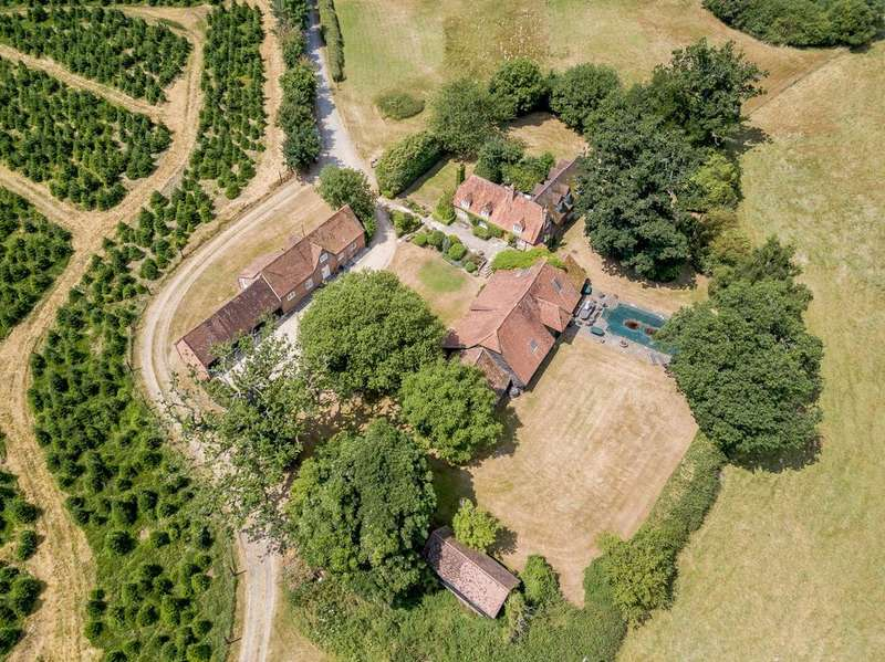 5 Bedrooms Detached House for sale in Frilsham, Yattendon, Newbury, Berkshire