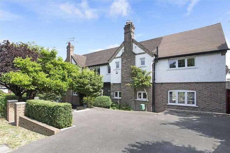 6 Bedrooms Detached House for sale in Woodcote Avenue, Wallington, SM6