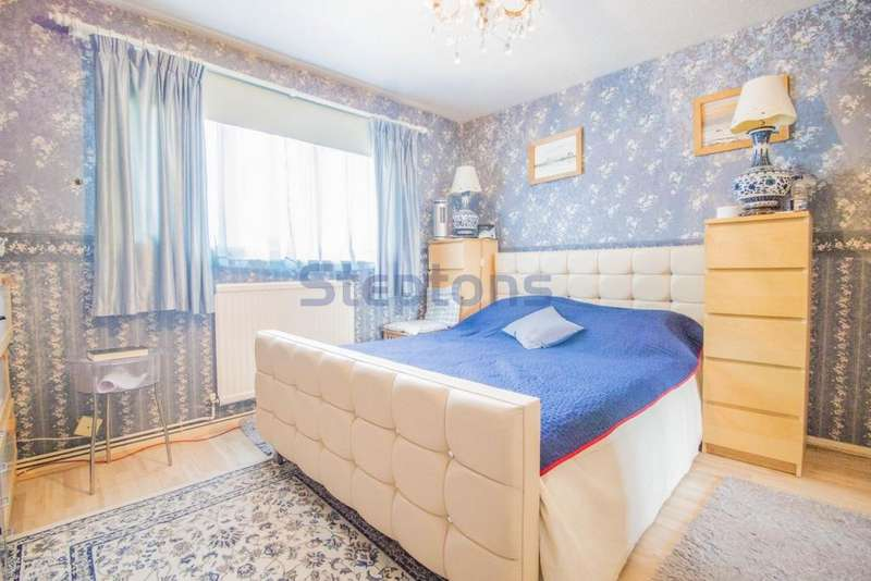 3 Bedrooms House for sale in East Ham, London, E6