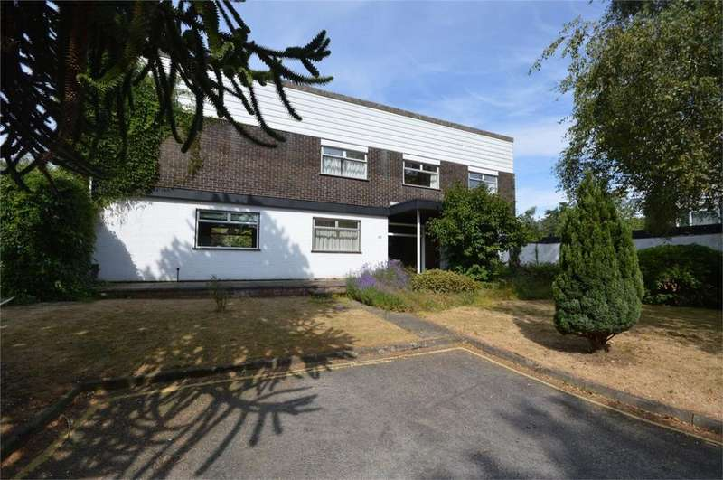 3 Bedrooms Detached House for sale in Conesford Drive, Norwich, Norfolk