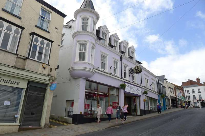 Semi Detached House for sale in High Street, Chepstow
