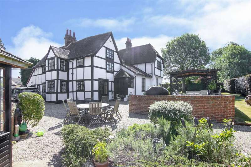 5 Bedrooms Detached House for sale in Ongar Road, Stondon Massey, Brentwood