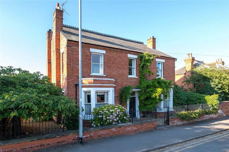 6 Bedrooms Detached House for sale in Beacon Hill Road, Newark, NG24