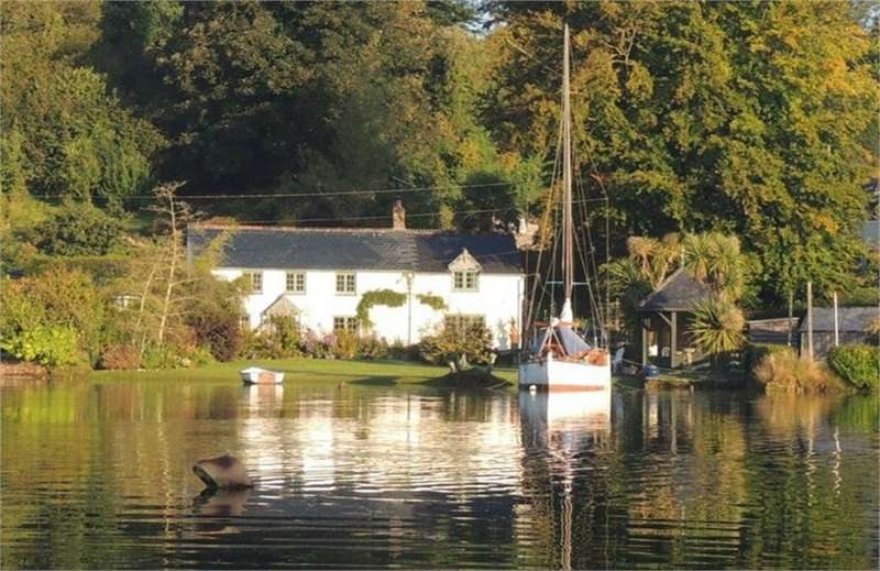 3 Bedrooms Detached House for sale in Wandsley, Lerryn, Lostwithiel, Cornwall