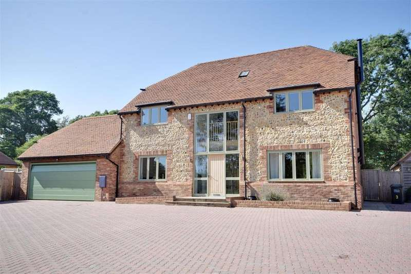 6 Bedrooms Detached House for sale in Hastings Road, Northiam, Rye