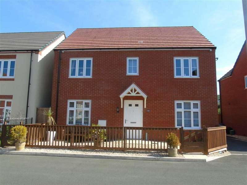 4 Bedrooms Detached House for sale in Stryd Bennett, Stradey, Llanelli