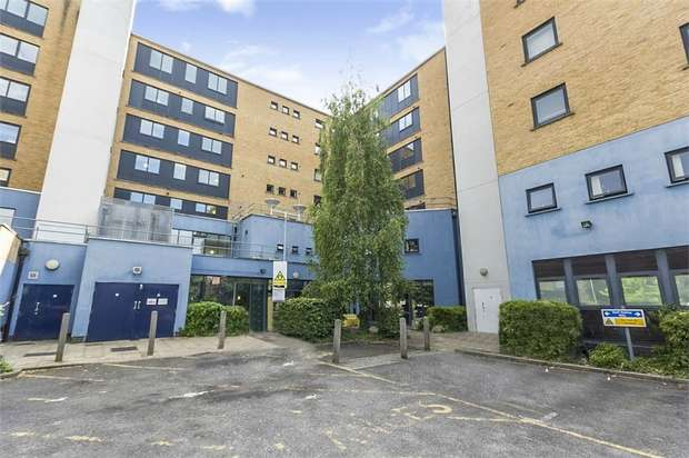1 Bedroom Flat for sale in 168 Cornwall Road, London