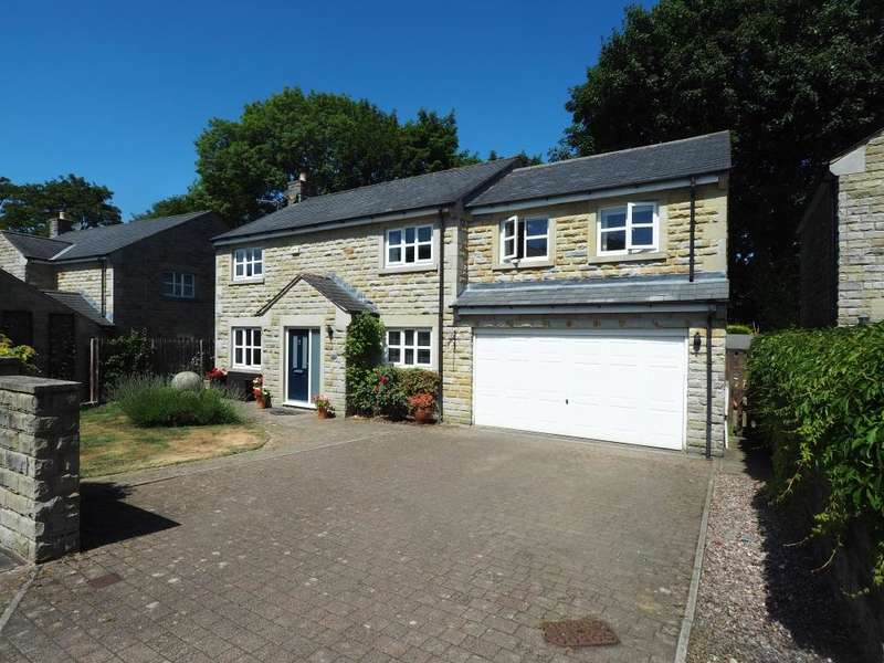 4 Bedrooms Detached House for sale in Brookhouse Court, Hayfield, High Peak, Derbyshire, SK22 2PD
