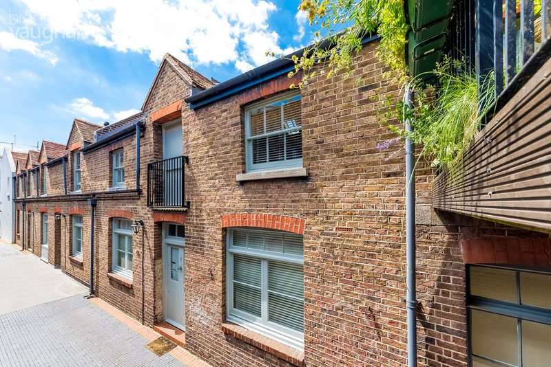 2 Bedrooms Mews House for sale in Pavilion Mews, Brighton, BN1