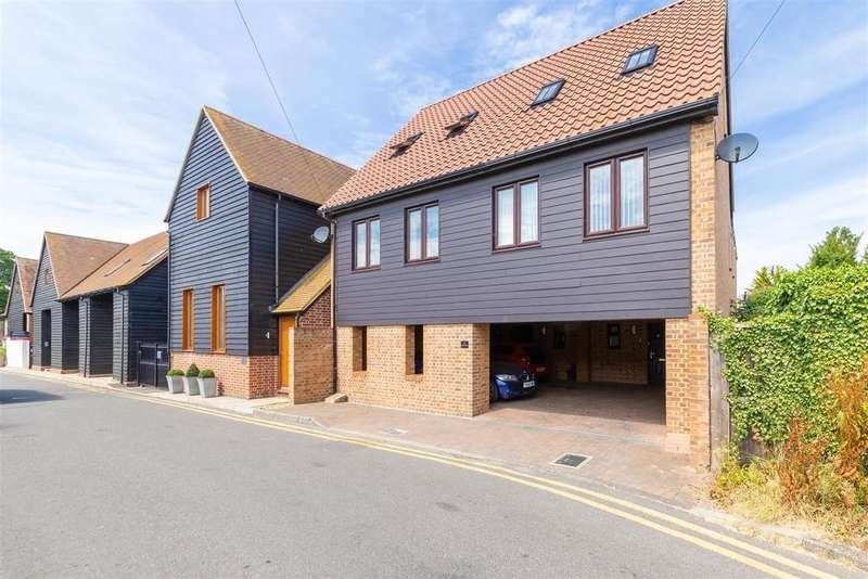 3 Bedrooms Semi Detached House for sale in Park Street, Baldock