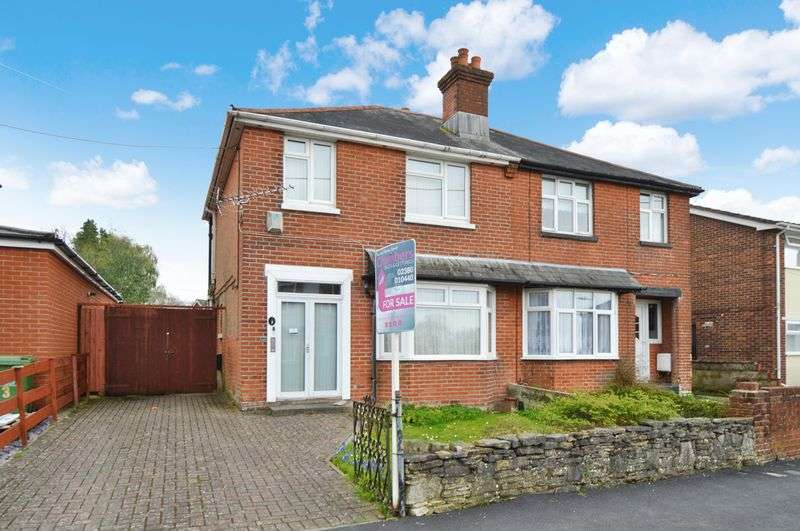3 Bedrooms Property for sale in Hinkler Road, Southampton